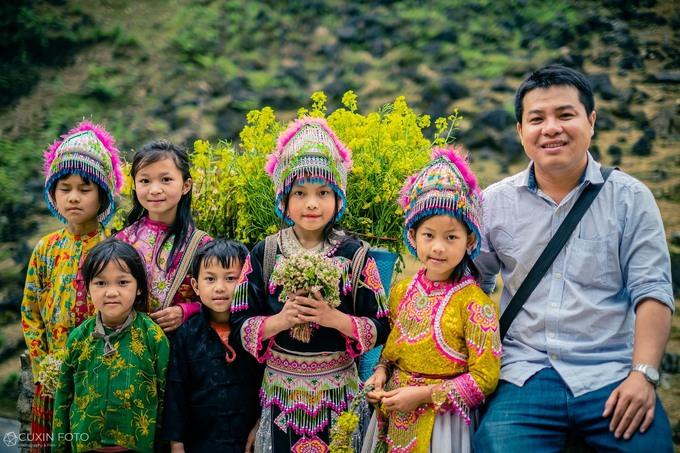 Young photographer captures innocent beauty of highland children