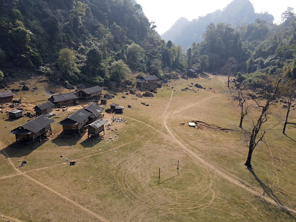 """Moc Chau: Unique and must-see """"check-in"""" spots attract tourists"""