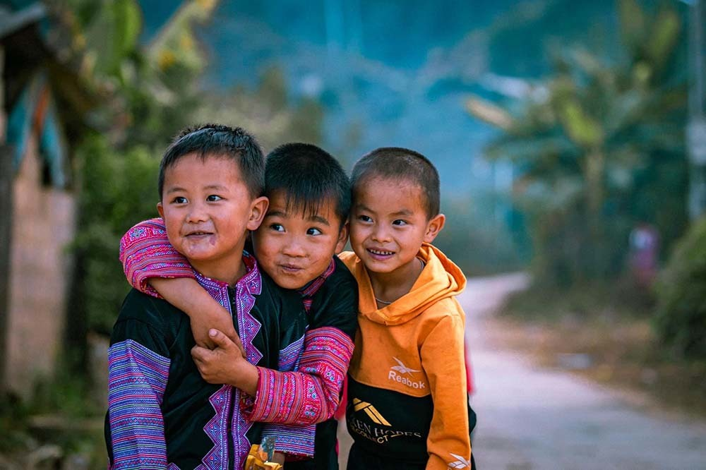 The innocent smiles of the children. Photo: Duc Giang