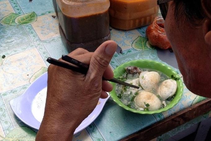 Vietnam cuisine: Can cake of Dalat and Phan Rang