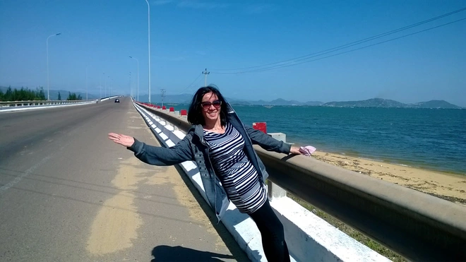 Grandmother Backpacker Travels 3 Times Across Vietnam by Motorbike