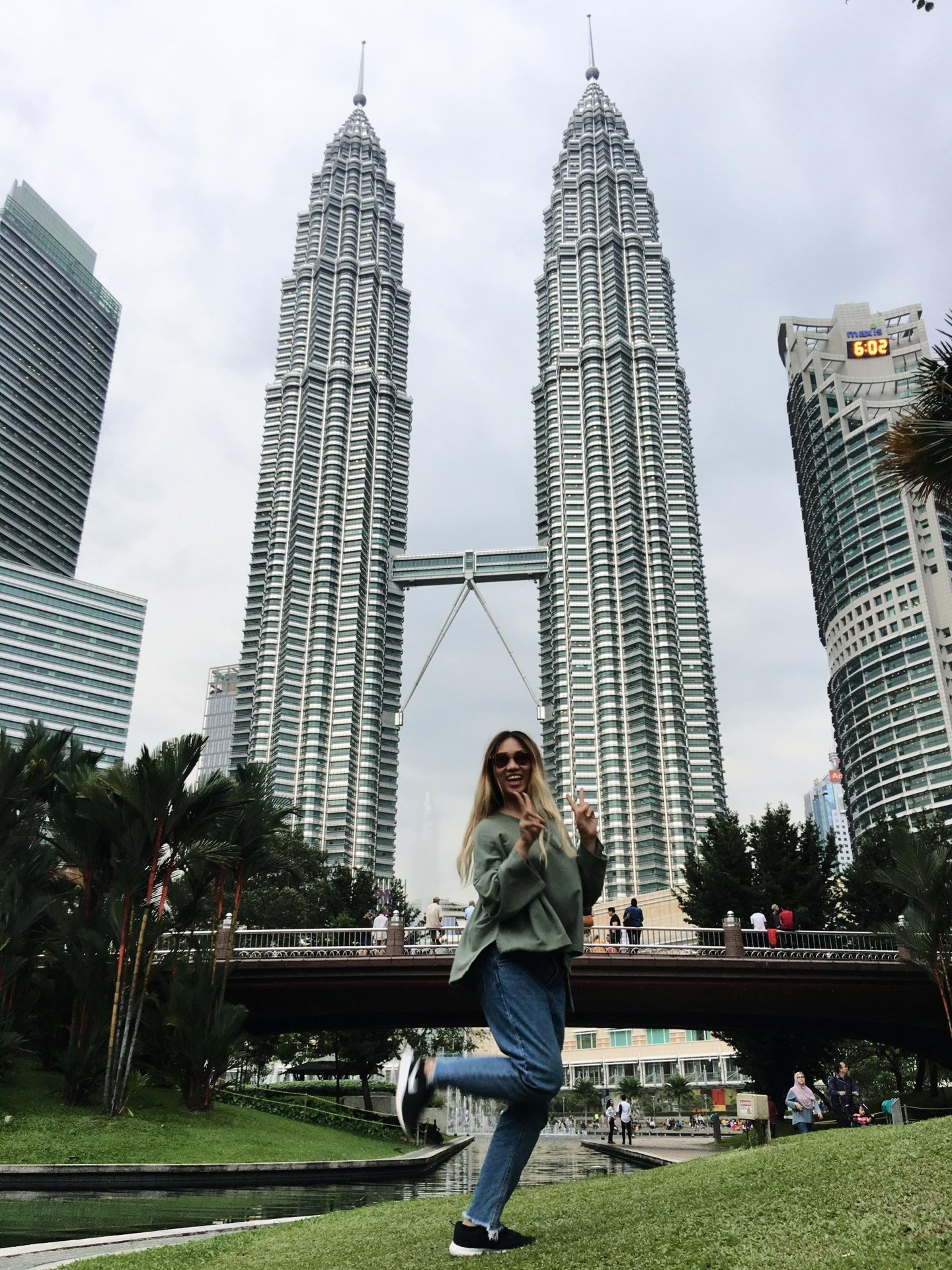 Check-in at Petronas Twin-tower, Malaysia. Photo: NVCC