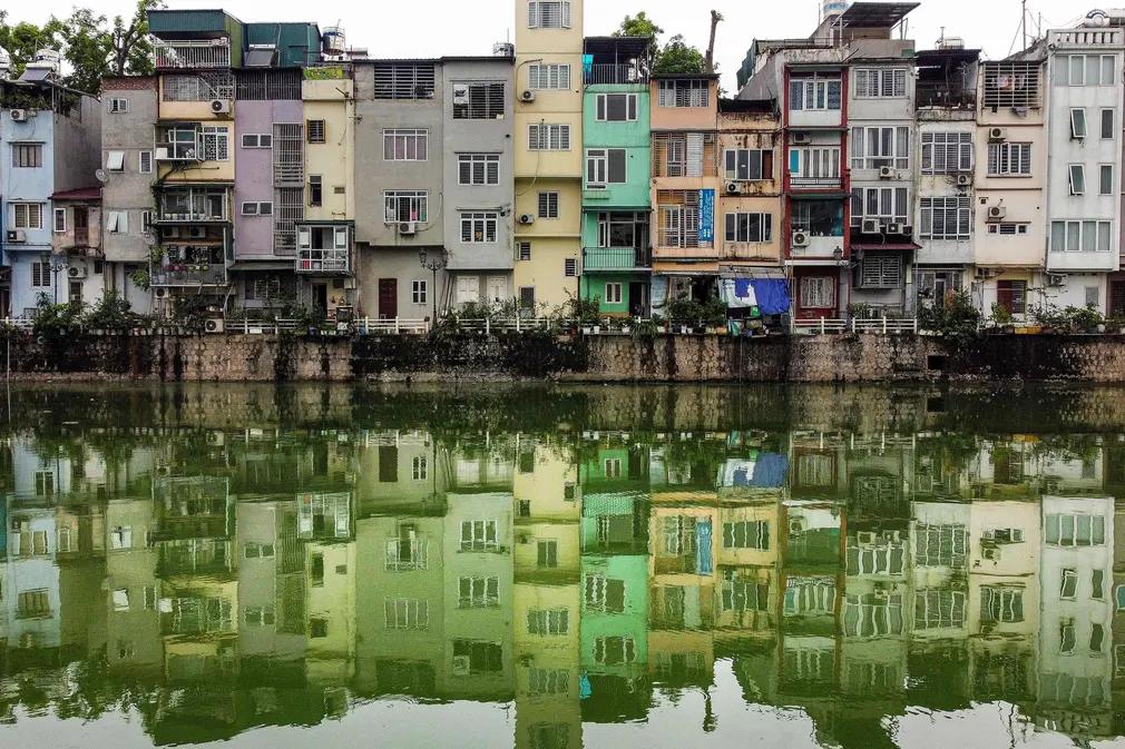 Narrow Neighborhoods: Photos of Hanoi's Tube Houses