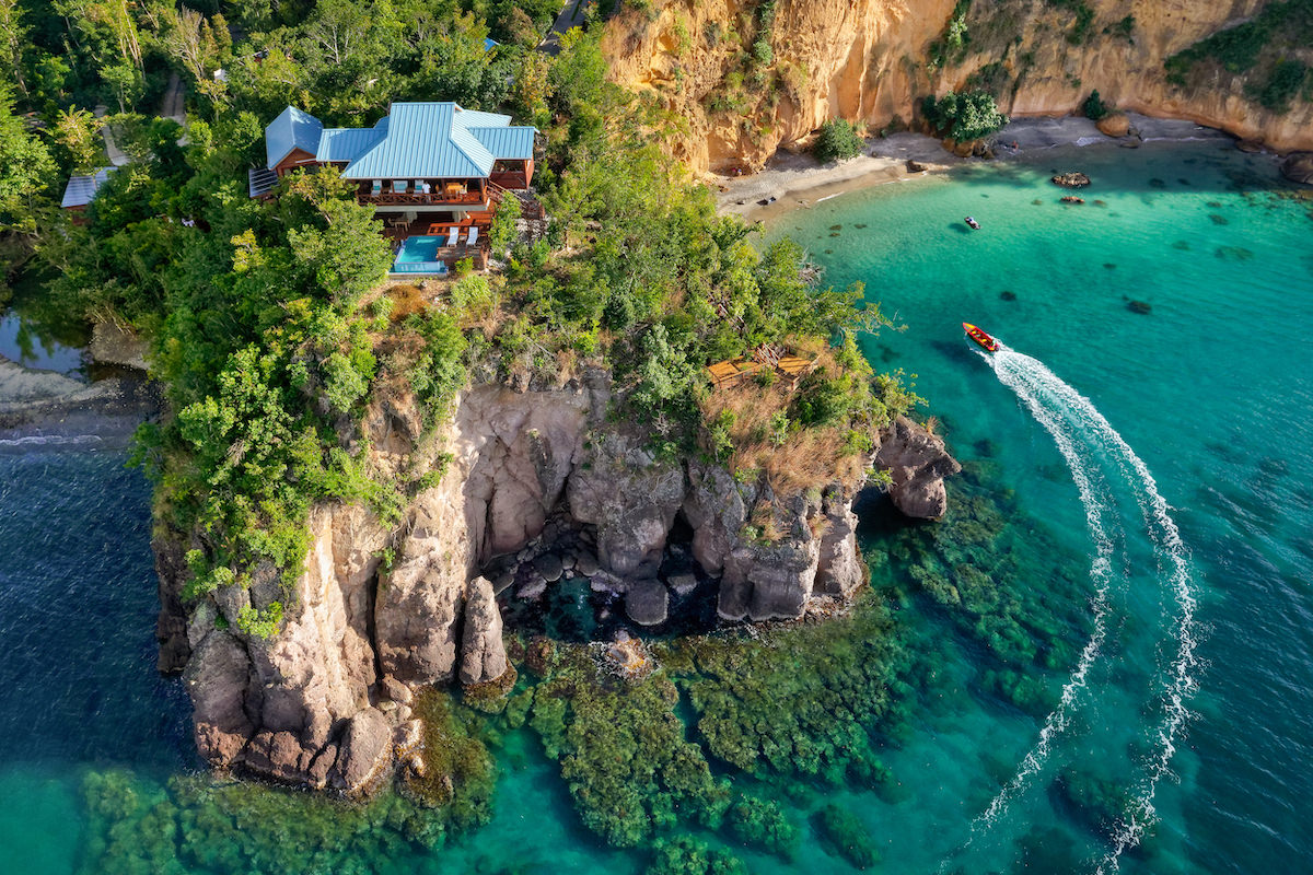 7 Most Beautiful and Attractive Clifftop Hotels In The World