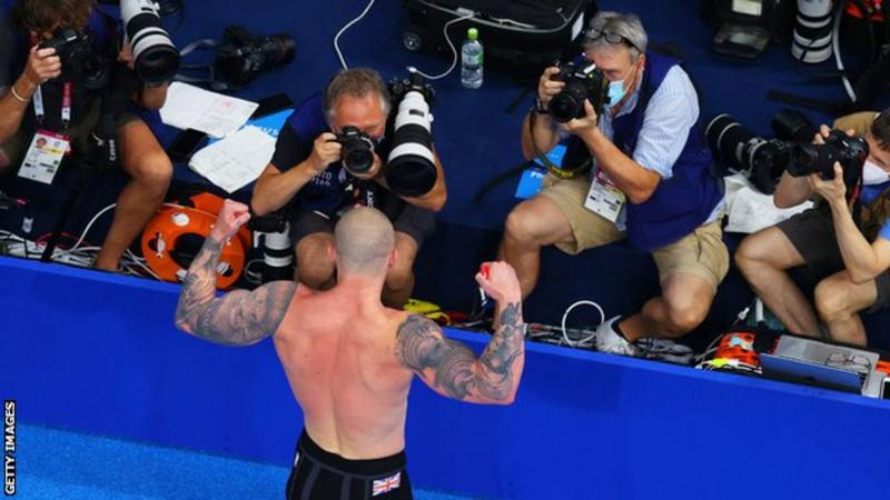 Peaty posed in front of photographers after his gold medal-winning swim. Photo: Getty Images