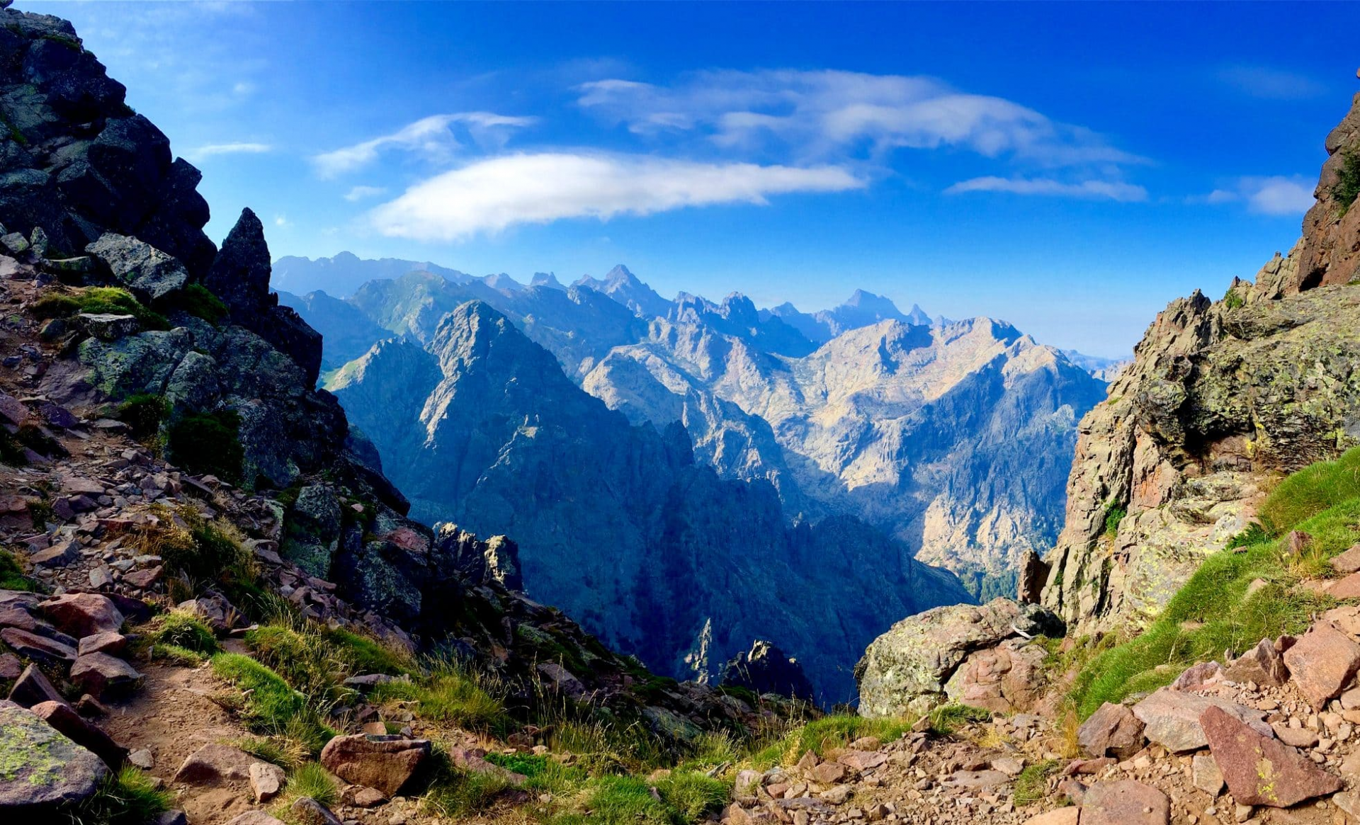 Top 10 Best Treks In The World For Adventurous Travellers To Discover