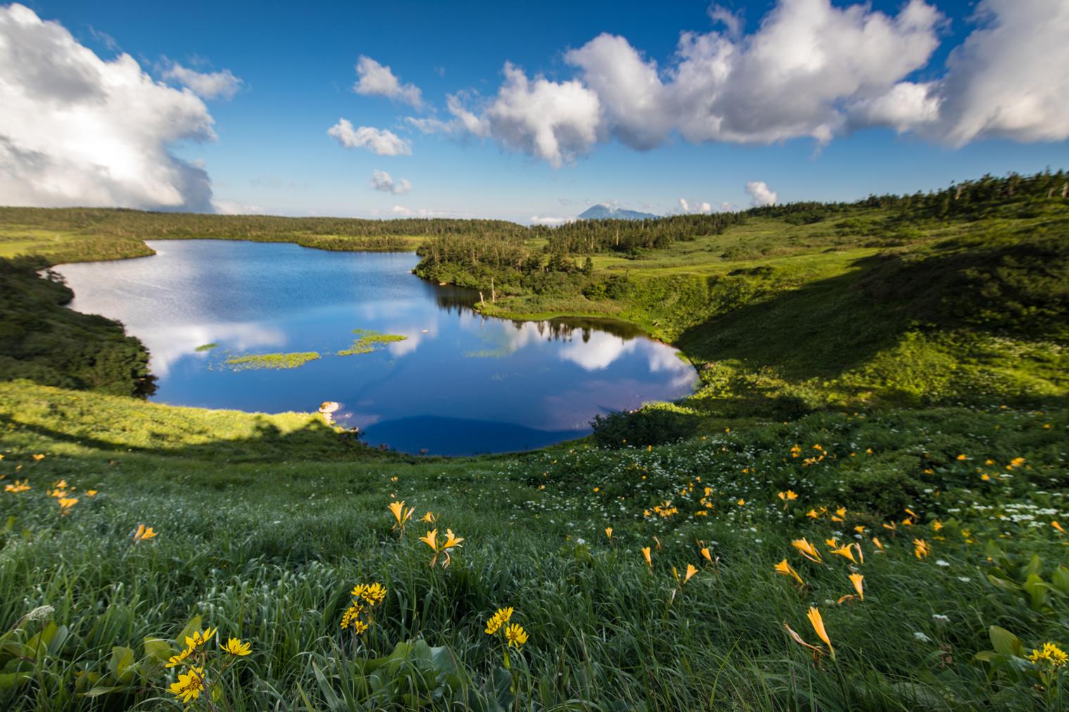 Hachiman Lake (Hachiman-numa) at the top of Mount Hachimantai. Photo by Hachimantai DMO