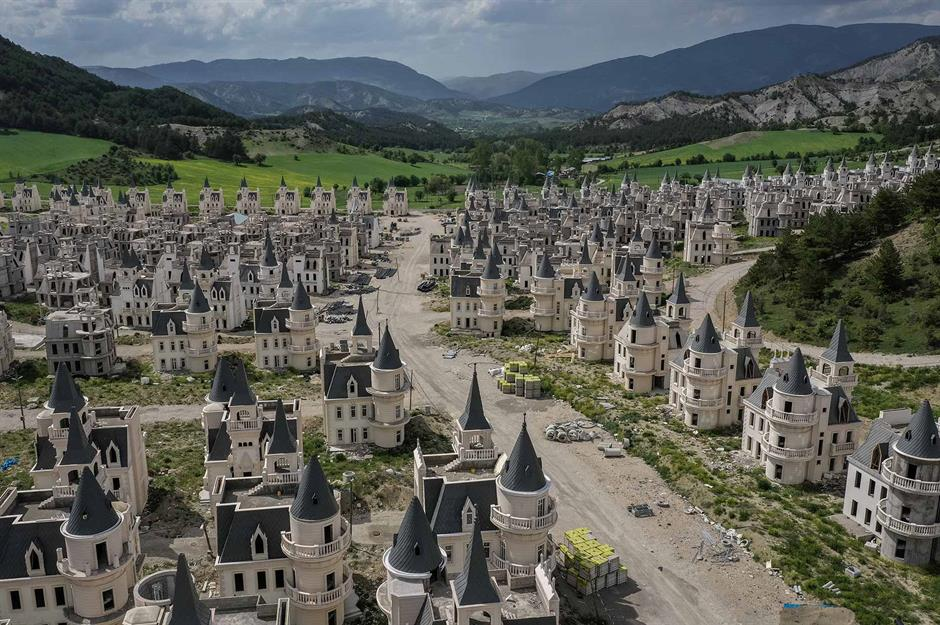 Mysterious Story of Turkey's Old Ghost Town With Abandoned Fairytale Castles