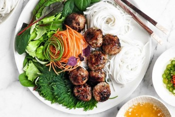10 Best and Most Delicious Street Food That Are Globally Loved In Vietnam