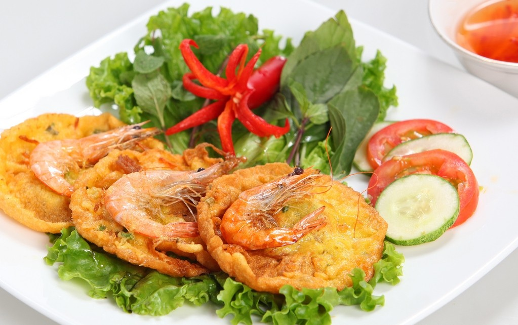 West Lake Shrimp Cake: A Must-try Tasty Specialty in Hanoi