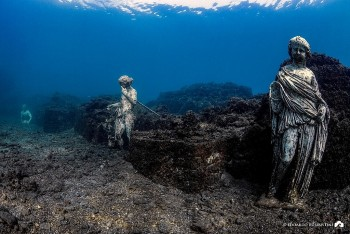 Ancient Ruins: Rome's Sinful City Sunken At The Bottom of The Sea