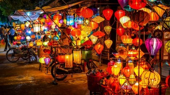 Bustling Nightlife: Visit 6 Best Night Markets in Vietnam Without Covid