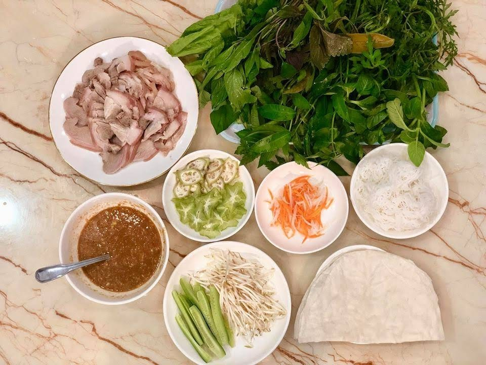 6 Tasty Wrap Dishes To Eat In a Cool Autumn Day in Ho Chi Minh City