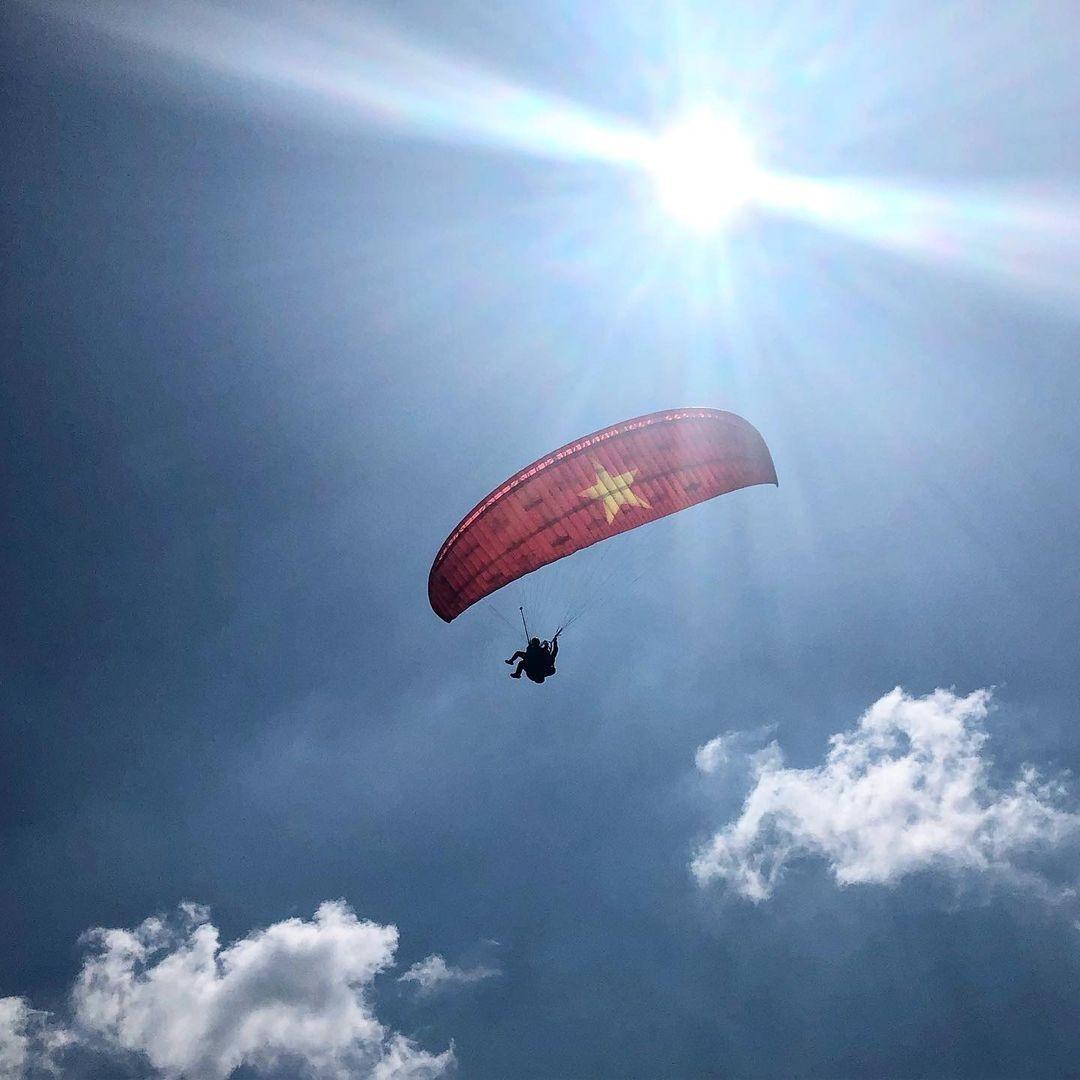 Paragliding in Khau Pha - Photo: Instagram @le.thu.phuong