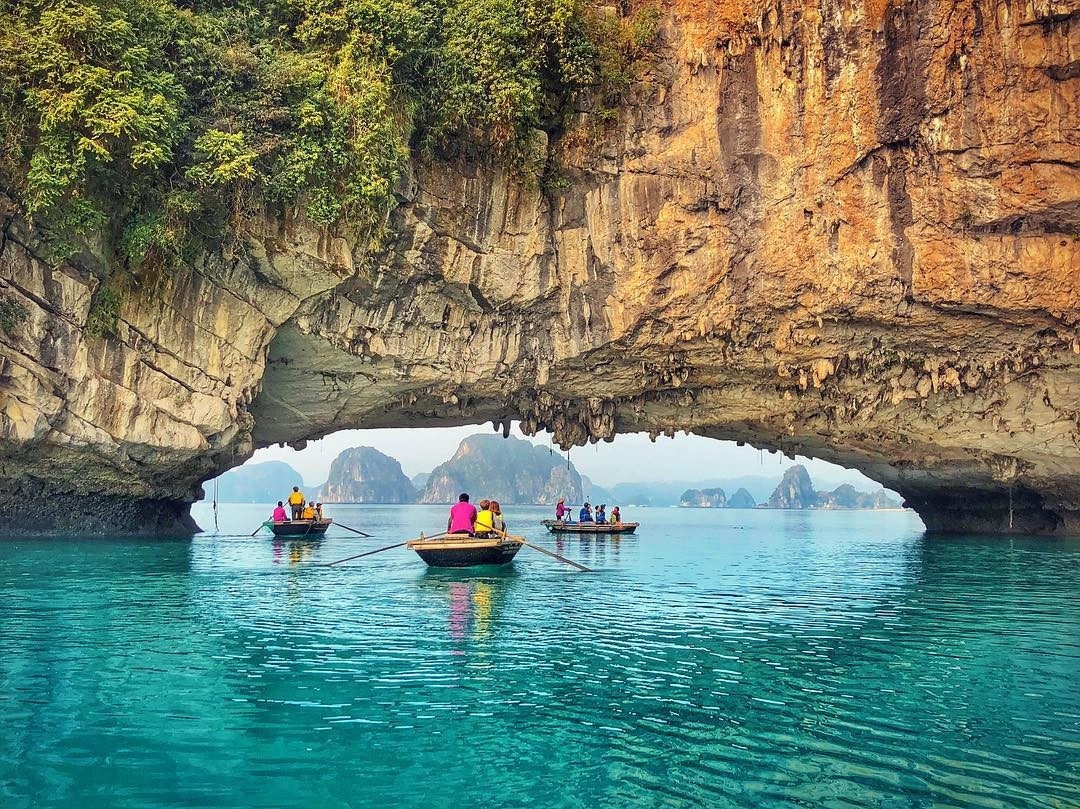 Bai Tu Long Bay: The Majestic and Dreamy Bay In The North