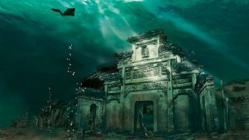 Under The Sea: Explore 7 Stunning Underwater Cities and Towns In The World