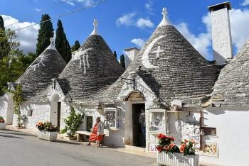 Discover Alberobello – The Unique Trulli Town of Puglia