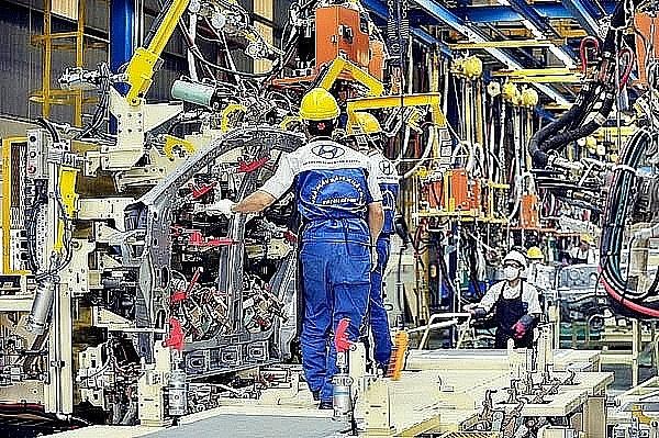 It's time to build a scenario to gradually open the economy