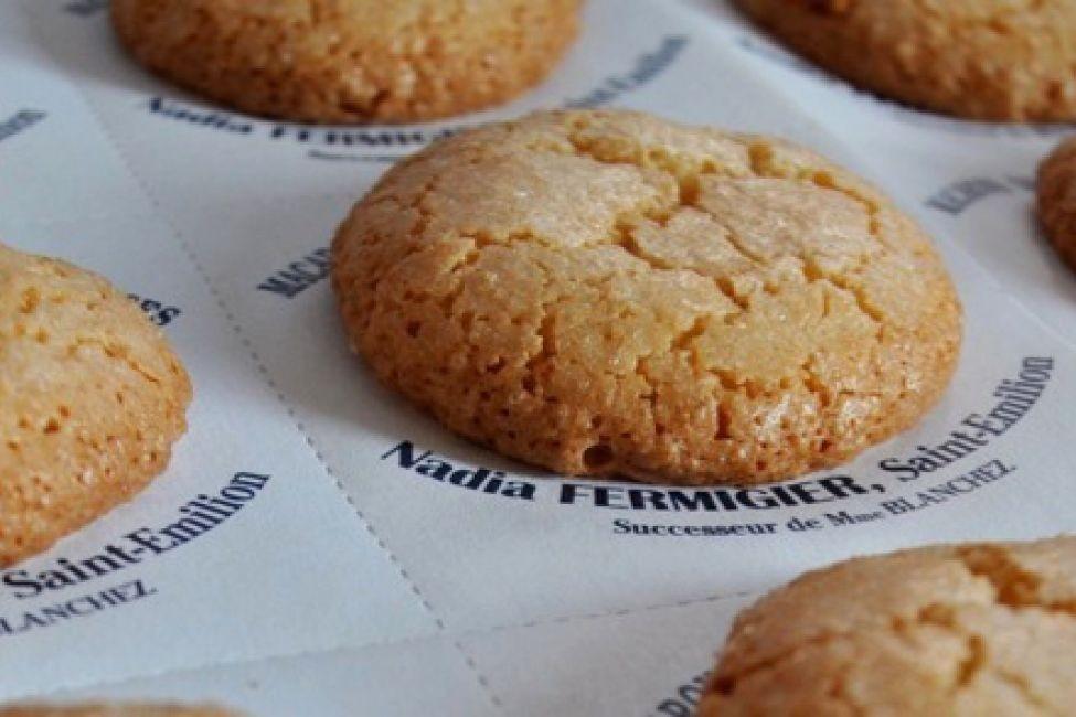 French macarons made with original recipe. Photo: Macarons de Saint-Émilion