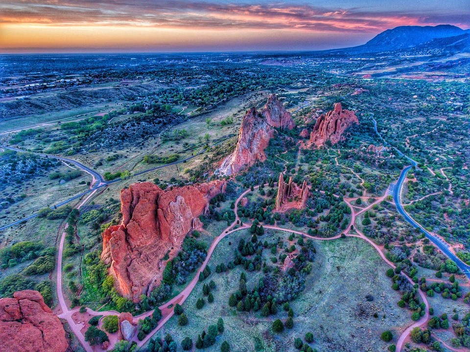 """Step Into The Wilderness: Visit The Mesmerizing  """"Garden of The Gods"""""""