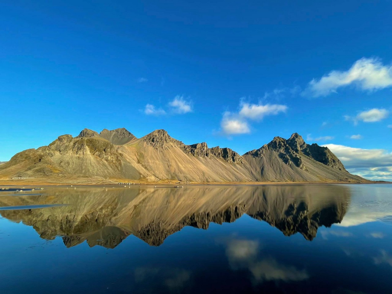 To A Different World: The Wilderness Beauty of Iceland Through Vietnamese Photographer