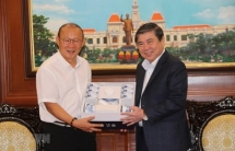 football head coach park hang seo contributes to vietnam rok ties official
