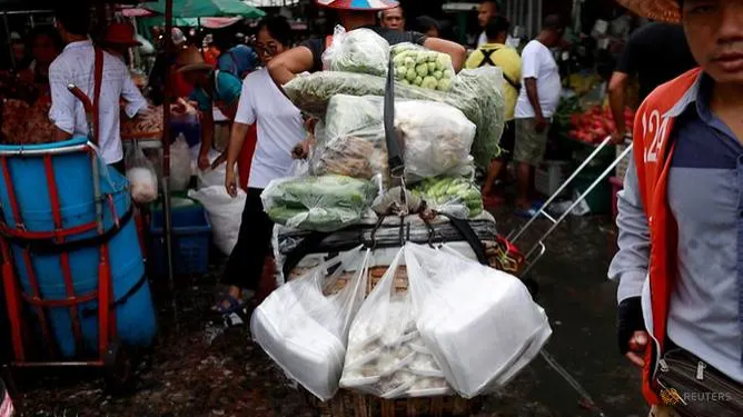 thailand bans single use plastic bags at major stores