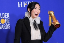 2020 golden globes first performer of asian descent wins best actress