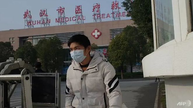 fourth death from pneumonia outbreak reported as china confirms human to human transmission