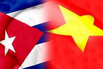 vietnamese leaders congratulate cuba on liberation day