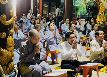 overseas vietnamese in laos hold prayers for new year 2021