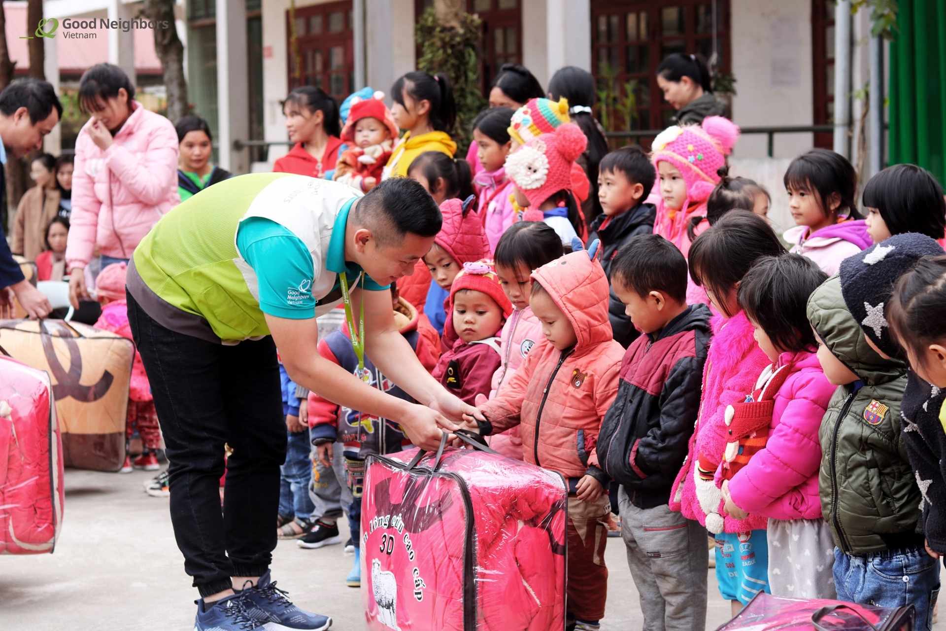 Blankets given to needy children before cold spell sets in