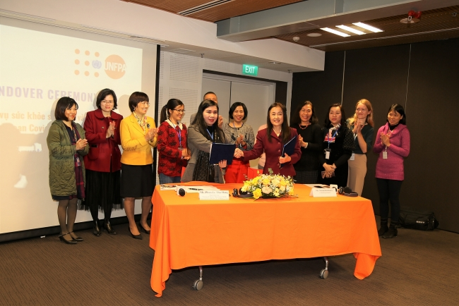 UNFPA hands over medical equipment and supplies to Vietnam