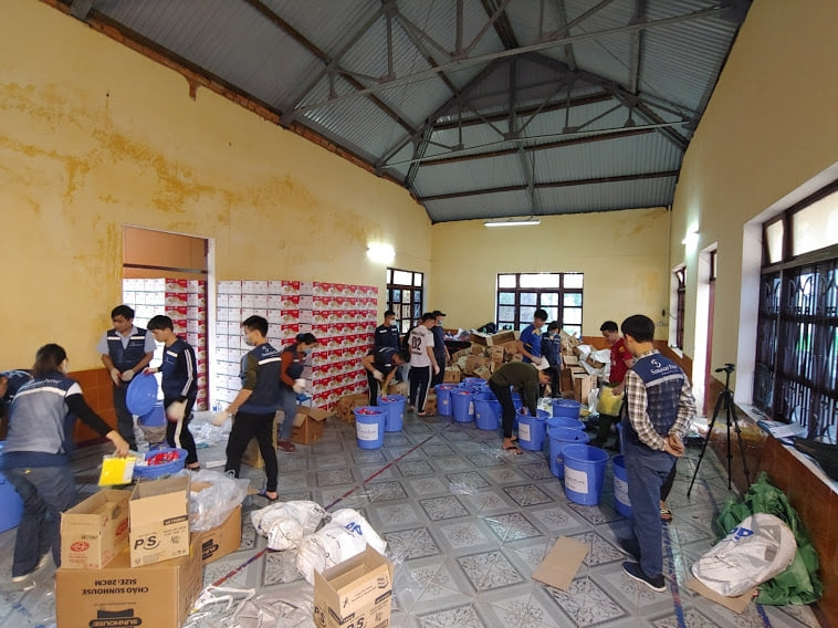 NGO continues delivery of emergency assistance in quang binh