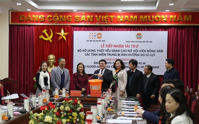 UNFPA renders extend support to floods-affected central Vietnam