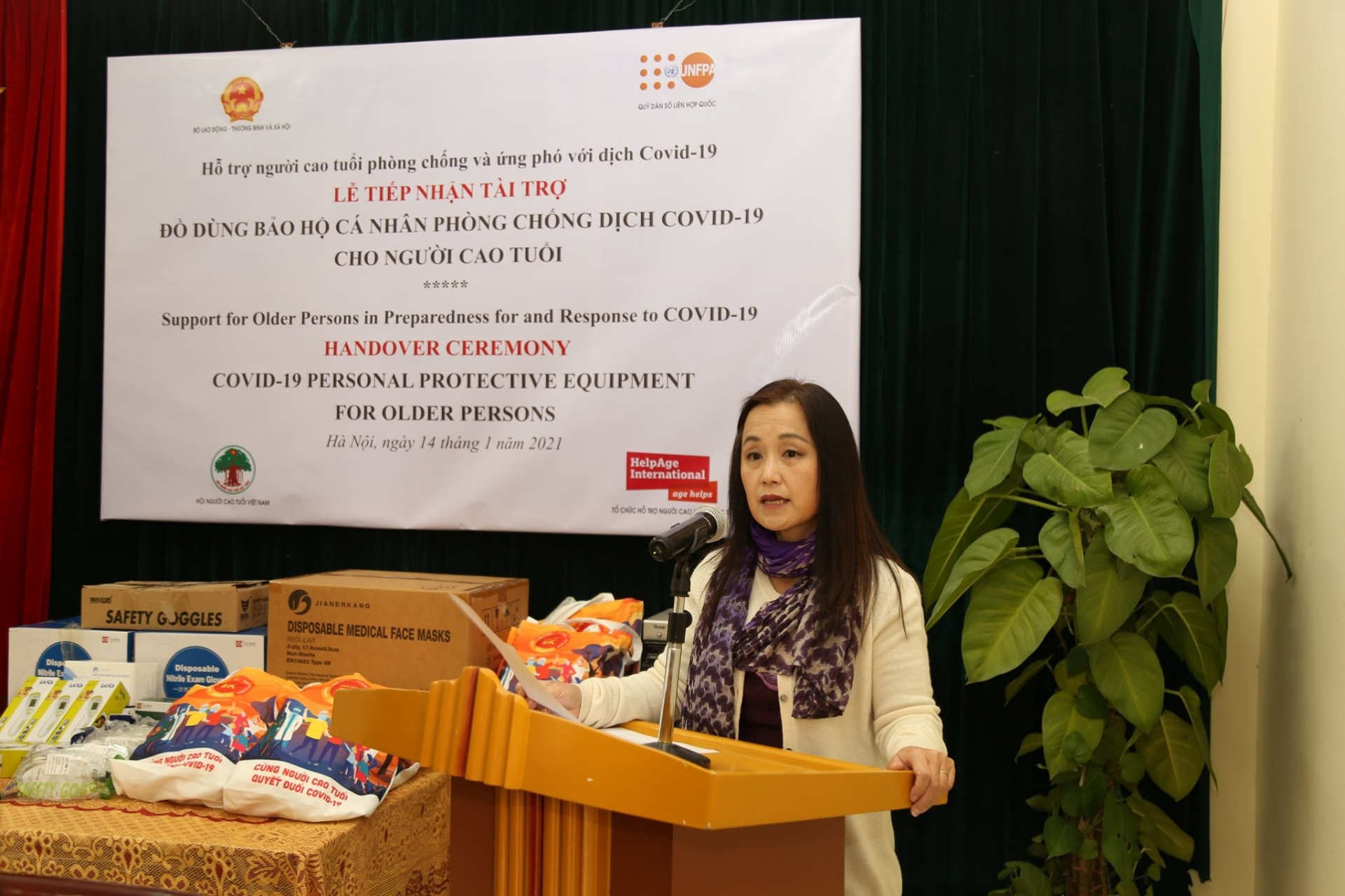 UNFPA supports Vietnam protect older people from COVID 19