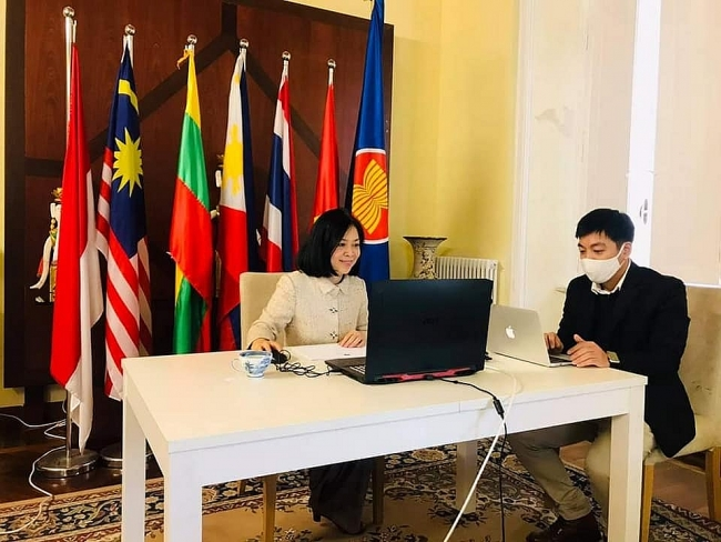 Vietnam hands over ACR Chairmanship to Indonesia