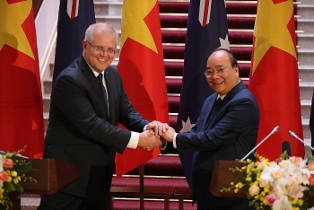 australian pm believes in success of vietnams 13th party congress