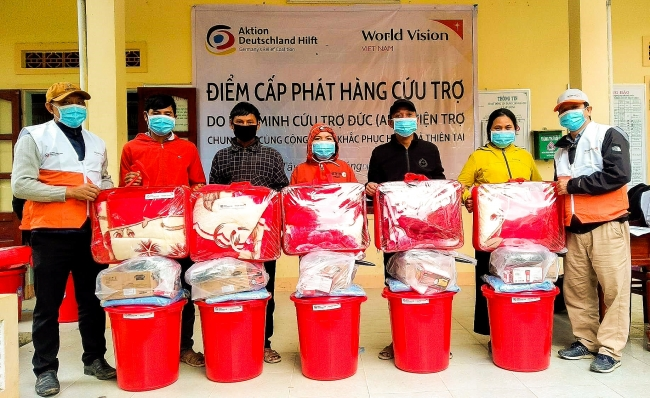 World Vision distributes essential goods to Quang Ngai