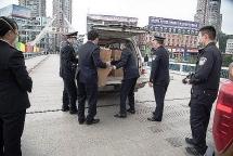 lao cai customs hands over 21000 medical masks to chinas hekou customs