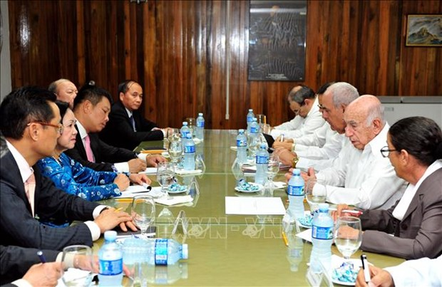 vietnam will make all efforts to deepen ties with cuba politburo member