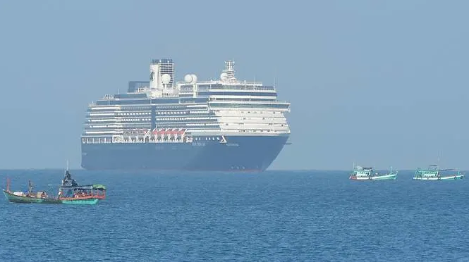 cruise ship shunned by five countries over covid 19 fears arrives in cambodia
