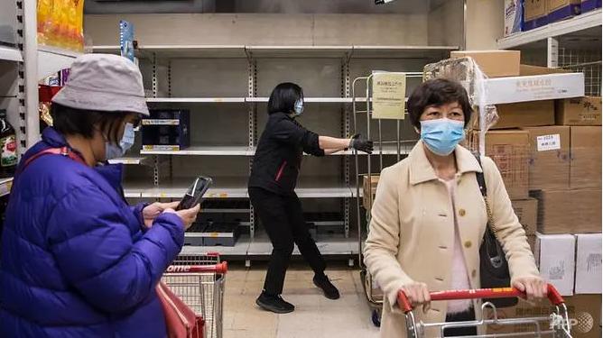 passengers leave coronavirus wracked diamond princess cruise ship in japan after 14 day quarantine