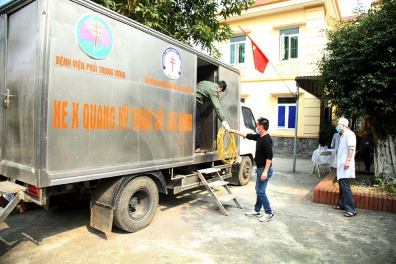 mobile x ray truck sent to vinh phuc to help with covid 19 response