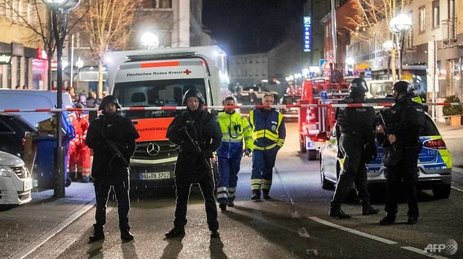 germany shooting 11 dead including suspect
