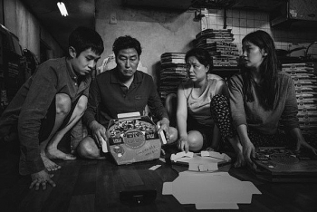 "Black-and-white ""Parasite"" reaches Vietnam's cinemas"