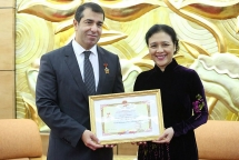 first azerbaijani ambassador in vietnam honored with vufos friendship medal