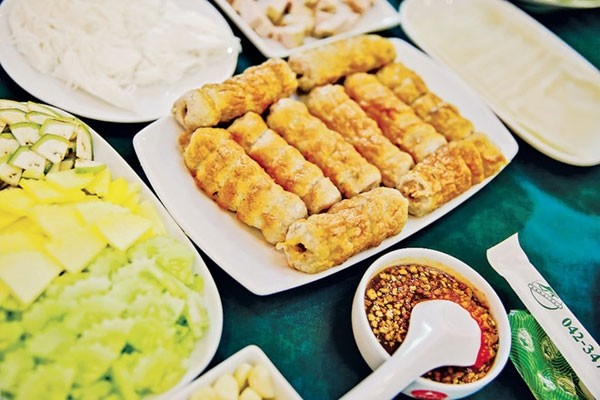 grilled spring rolls vietnamese specialty favored by thai people
