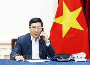 Deputy PM, FM holds phone talks with RoK FM