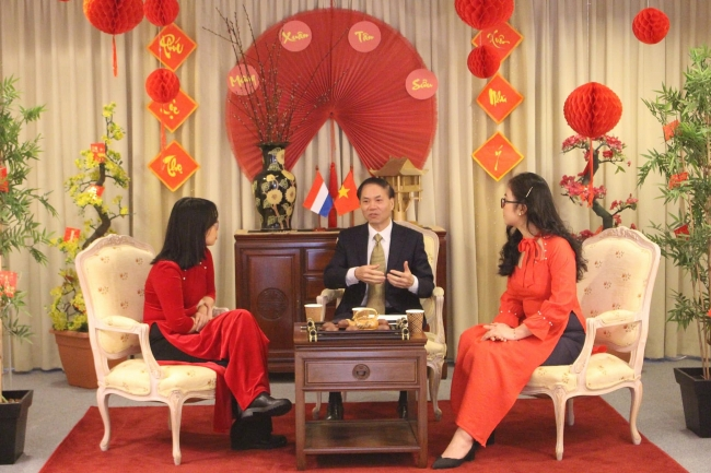 New Year greetings to Vietnamese in the Netherlands on the occasion of Spring 2021